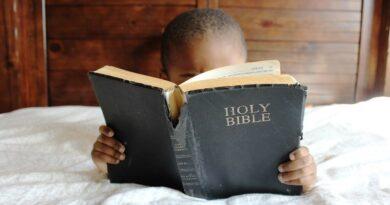 Tysiące dzieci w Sudanie Południowym otrzymało Słowo Boże