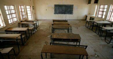 Zamordowany policjant, 80 uczniów uprowadzonych w ataku na szkołę w Nigerii