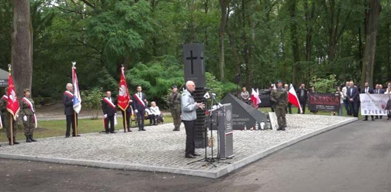 """""""Lubili rąbać polskie dzieci…"""" – historia ocalałego z ukraińskiego ludobójstwa na Wołyniu"""